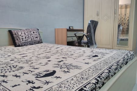 Private room in 4 Bungalows, Andheri (W) - Lakás