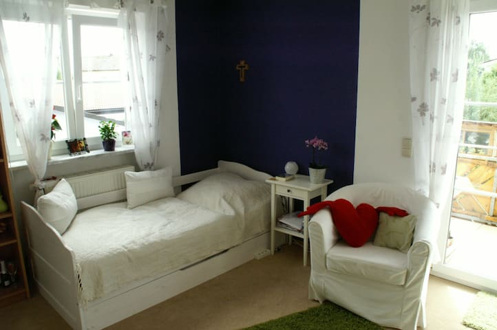 "Lovely single room ""Caroline"" - Olching - Appartamento"