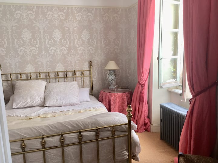 Montrozier Chambre d'Hotes - Grey Room