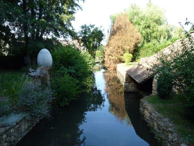 Loft, Gardens & River (Paris=35km) - Saint-Yon - Vindsvåning