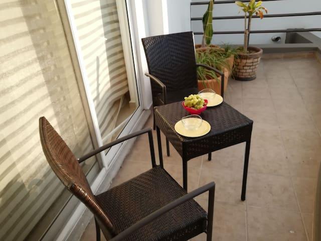 ¡Depa ideal para pareja! Jacuzzi, balcón, alberca!
