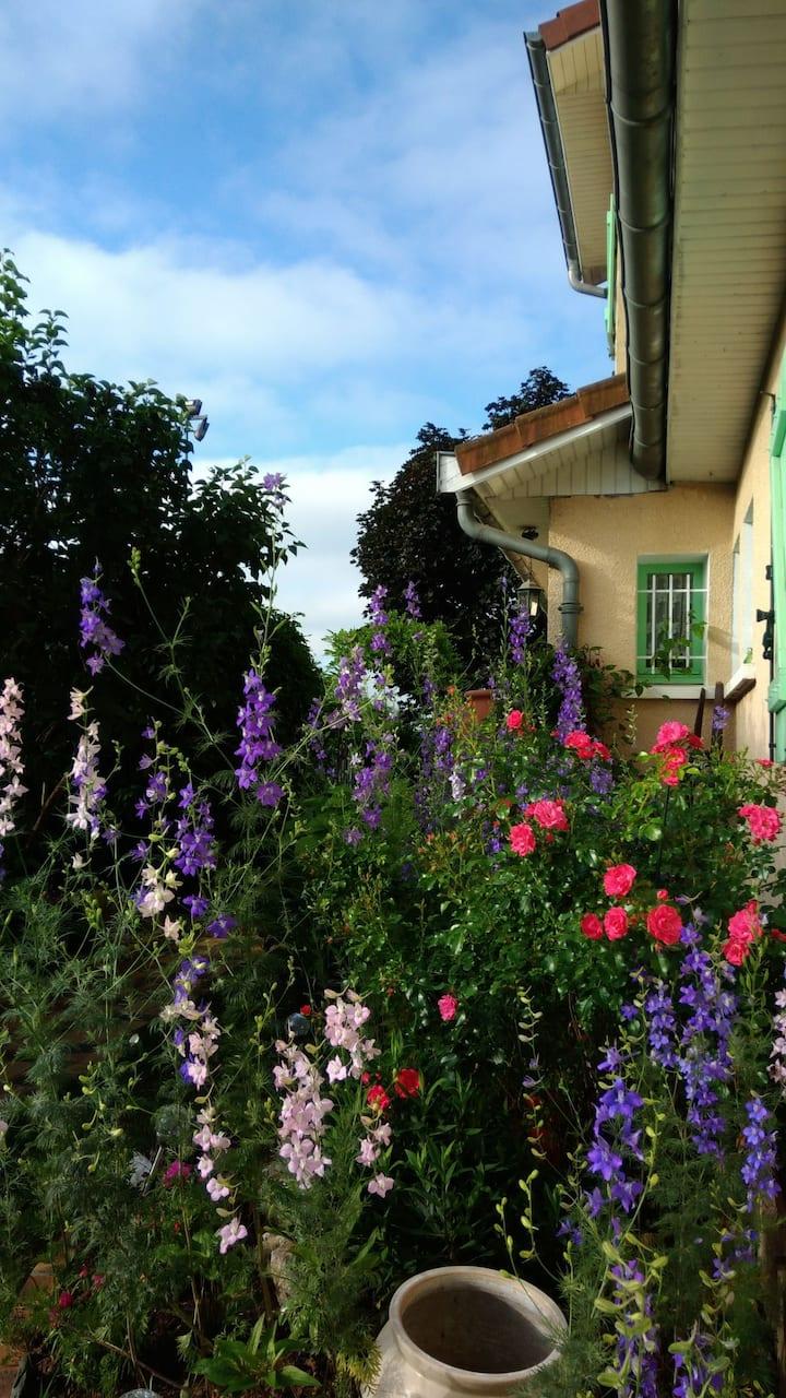 Chambres+SDB privées,près de Lyon et de St Exupéry