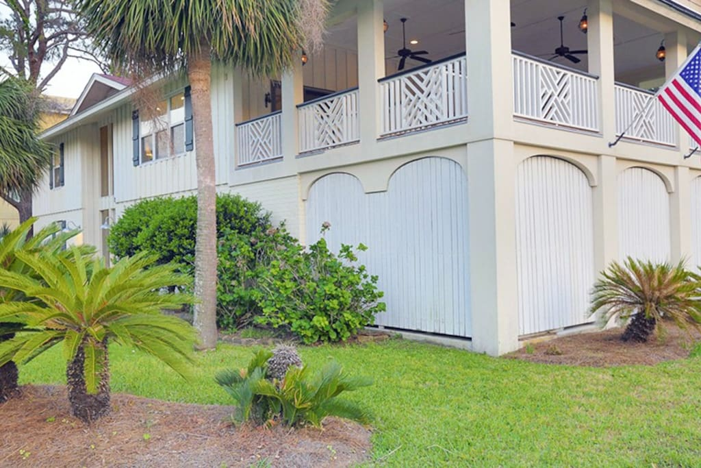 This spacious house has lots of room inside and out and is only one block from the beach