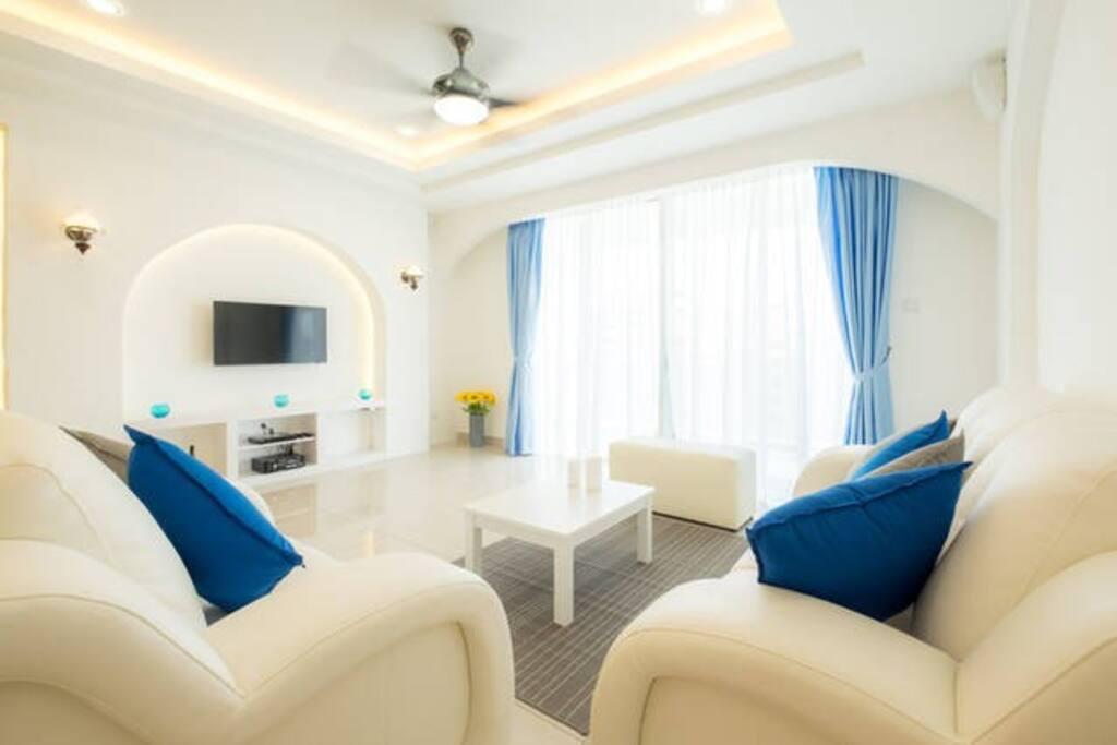 S-13A-03 Living Room
