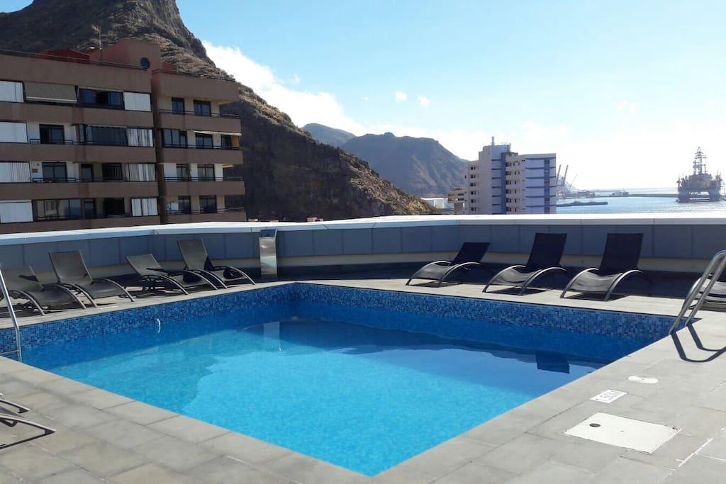 Apartamento con piscina comunitaria apartamentos en for Piscina santa cruz de tenerife