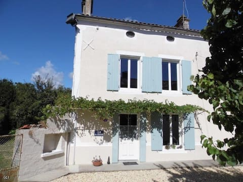 Pretty Detatched Stone House in Rural Charente
