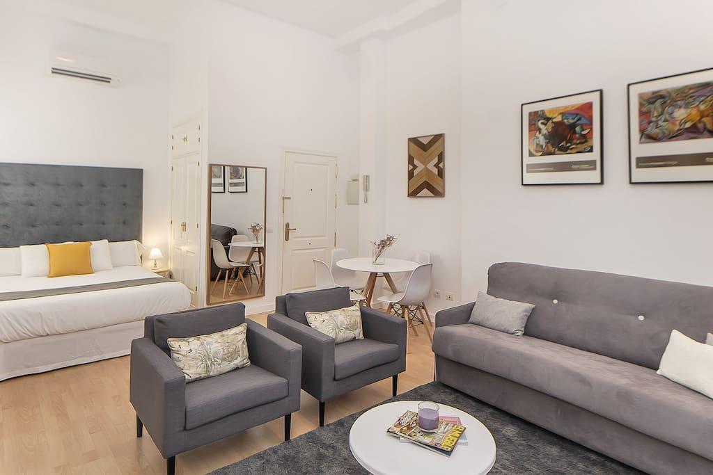 iloftmalaga souviron iii wohnungen zur miete in m laga m laga spanien. Black Bedroom Furniture Sets. Home Design Ideas