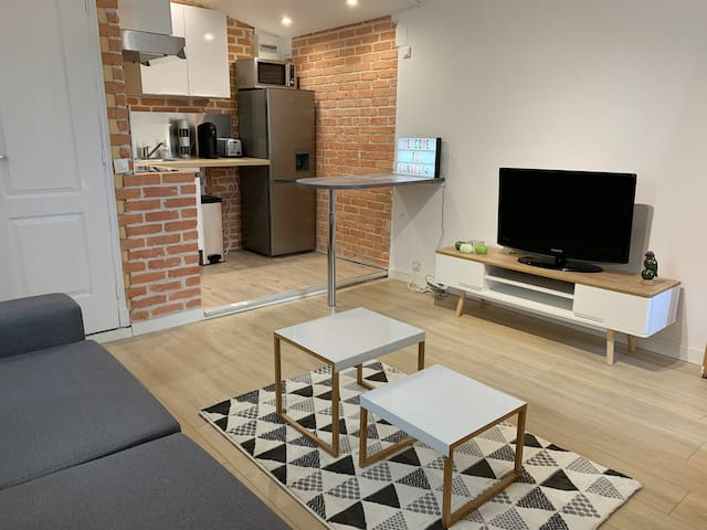 Studio city center modern & confortable