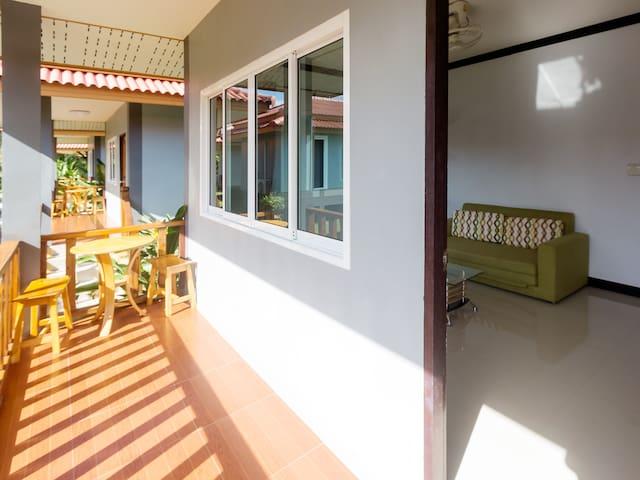 A Lapaya Sea Breeze 3 Roomed Villa DX61