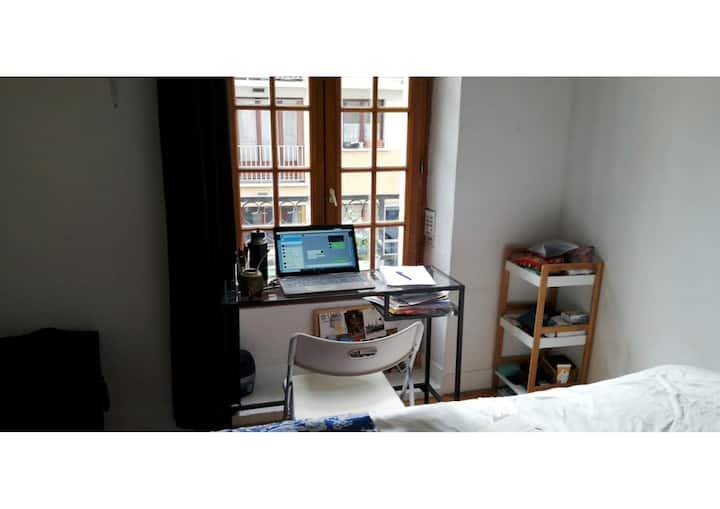 Cosy well located studio / Sous-location studio