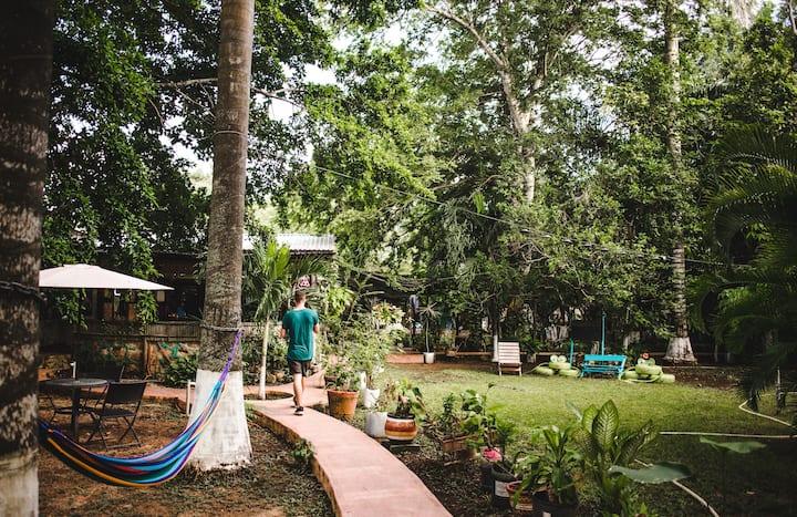 Palafito Privado Económico Gran Jardín Yaxche