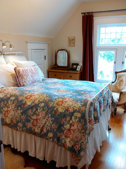 Super comfortable pillow top double bed that sits high about the floor (like in the good ole days)!