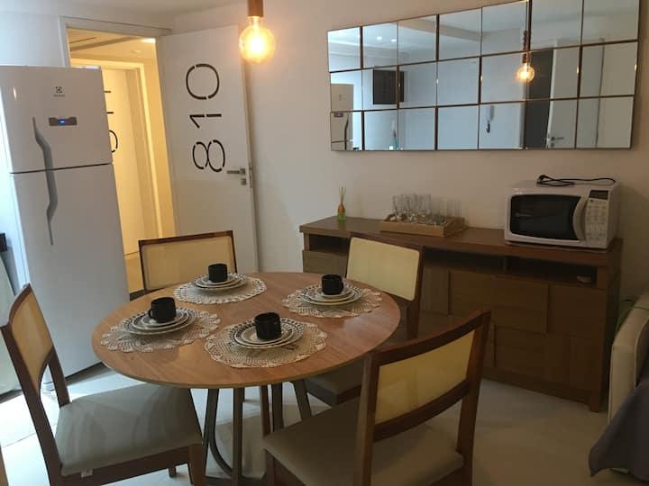 Flat Moderno e tranquilo 3 quadras Praia