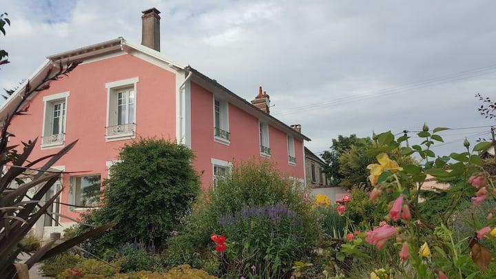 chambre privée dans maison proche Parc des Félins.
