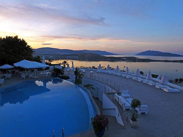 DORIA HOTEL BODRUM GRAND DELUXE SEA ROOM