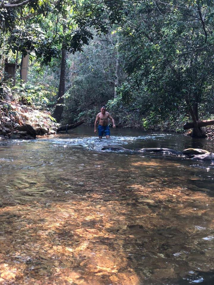 Chácara na Margem no Rio Forte - Estrada do Manso.