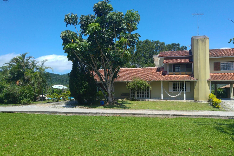 Casa ampla 4 quartos