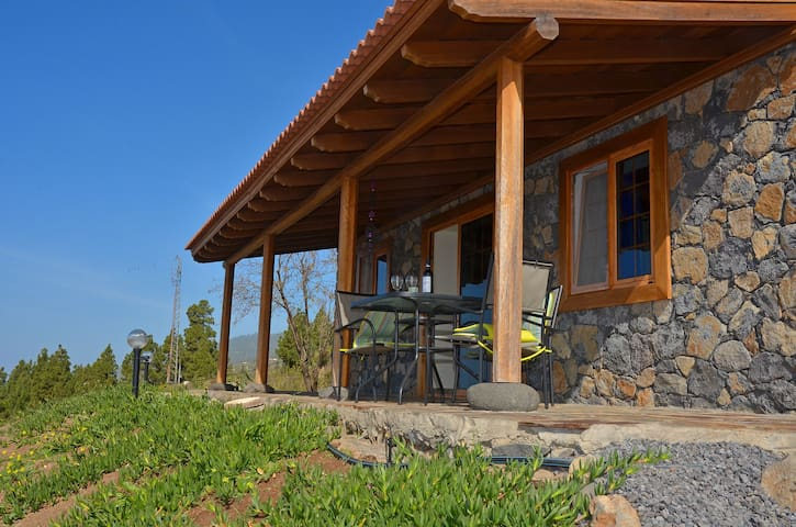 Beautiful house with stunning sea views! - Tijarafe - Huis