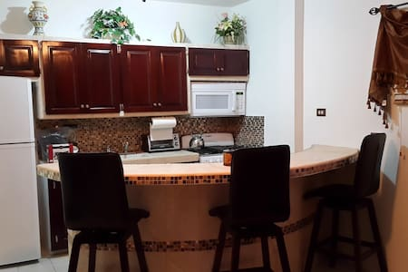Cozy 2 Bed Apartment in Ladyville! - Ladyville, Belize District