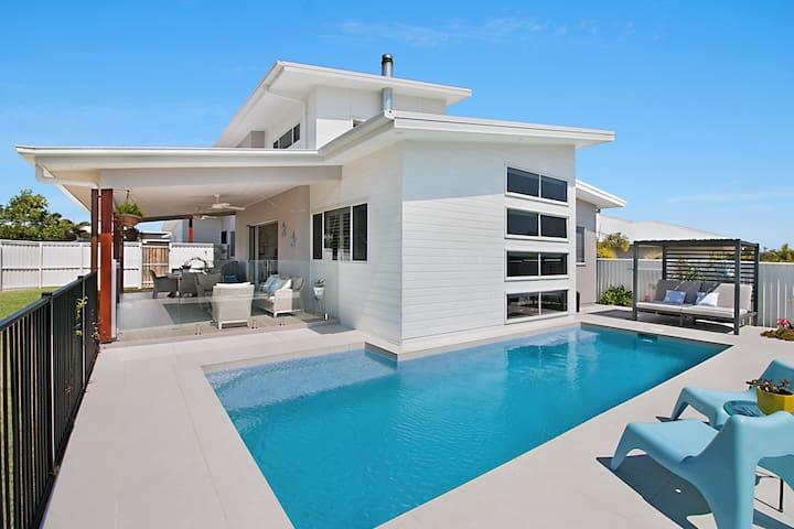 Salt 4 Bedroom Beach House