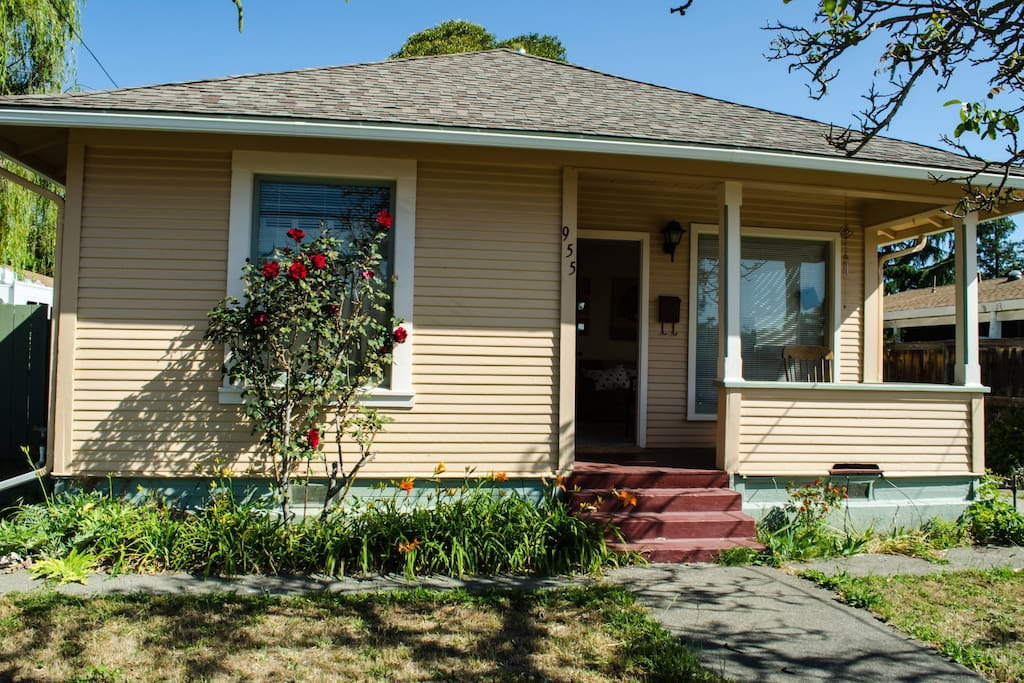 Cozy 2 Bedroom Close To Downtown Houses For Rent In Santa Rosa California United States