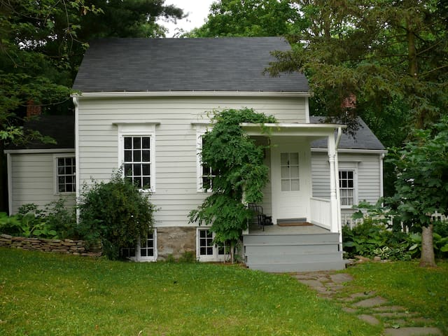 1770 House in Historic Kinderhook - Kinderhook - Talo