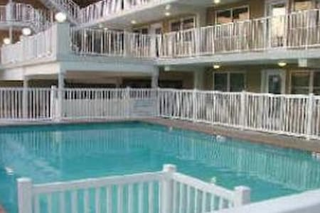 Great condo - steps from the beach - Wildwood Crest