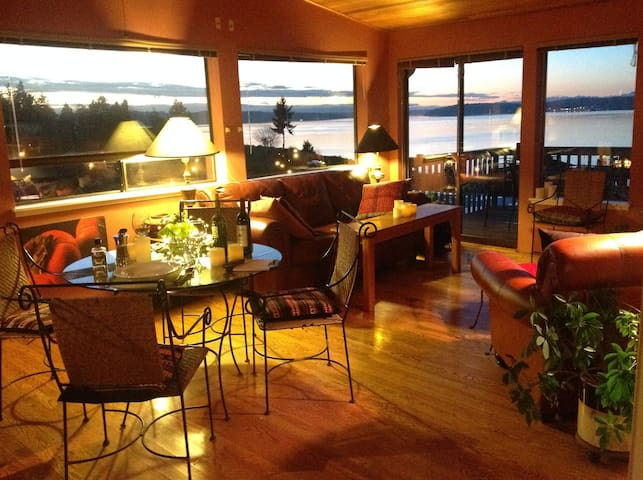 US Open View Home near Chambers Bay - Steilacoom - Huis