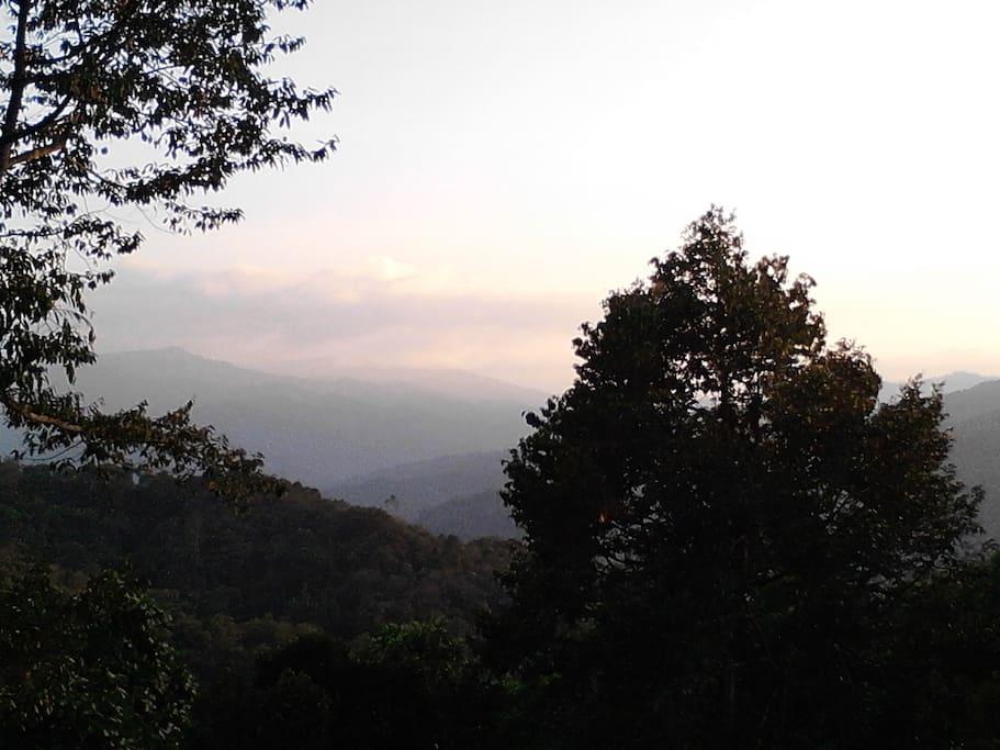 Rolling hills facing Kiulu valley