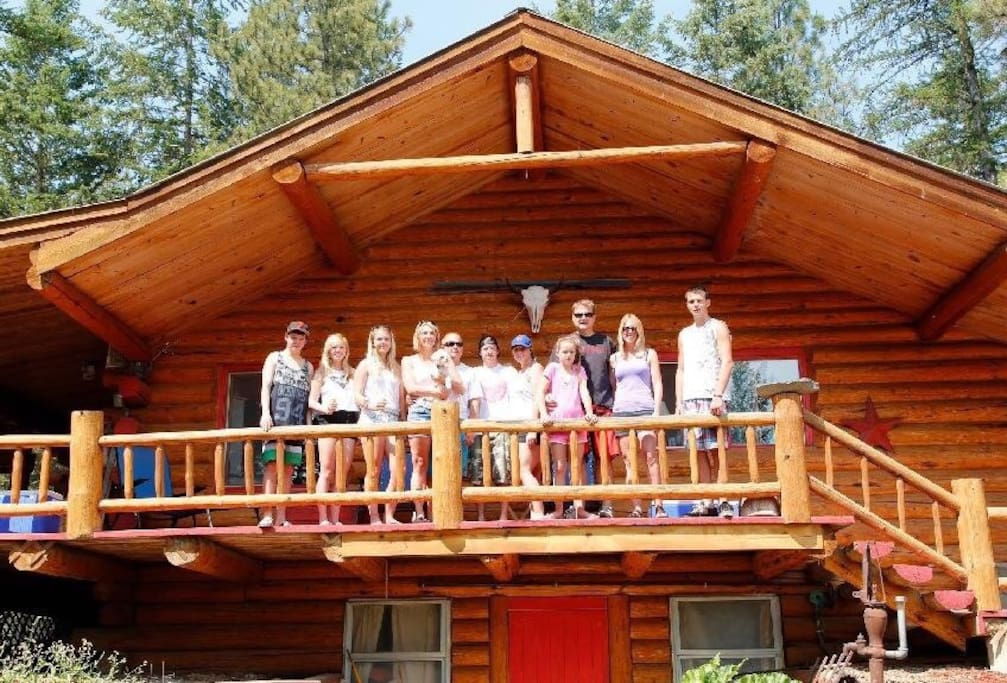 The Red Door Lodge At Koocanusa Houses For Rent In