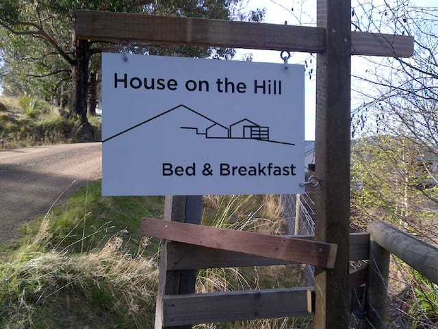 House on The Hill Bed and Breakfast - Huonville