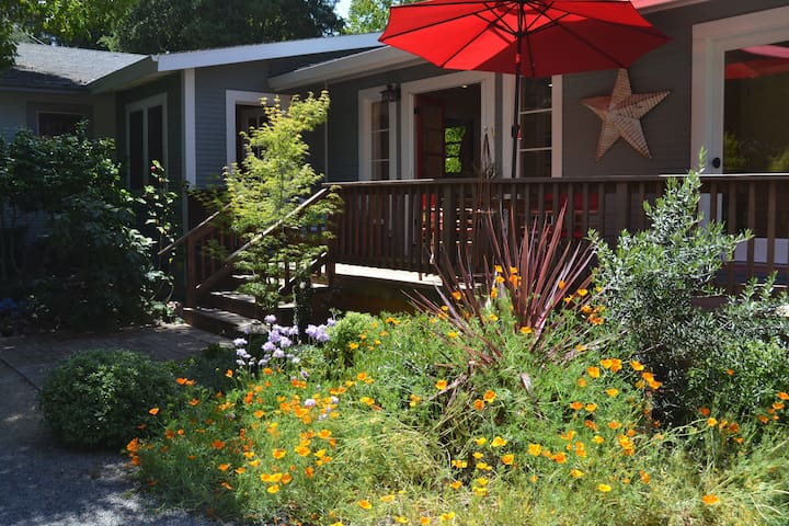Hideaway in the Heart of Sebastopol