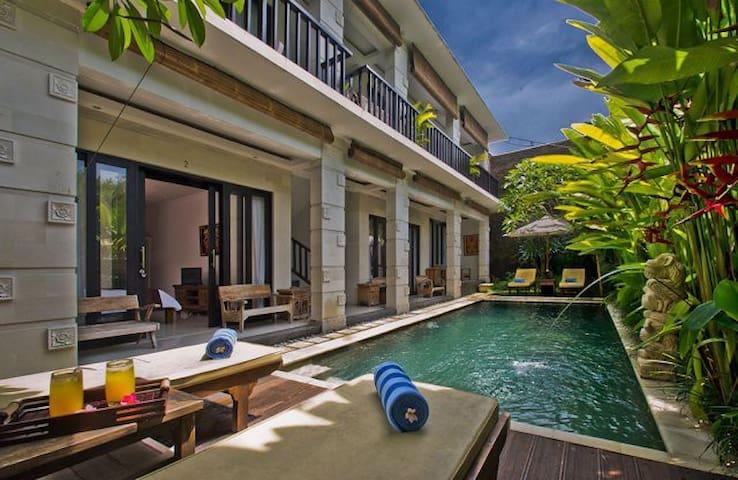 Van Mandri Guesthouse Campuan