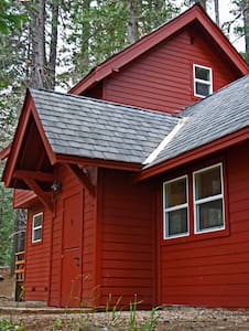 Romantic creekside forest cabin  - Dorrington - Kabin