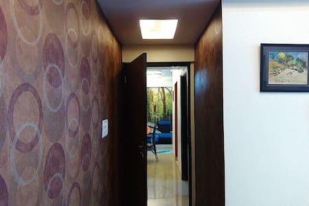 1 BHK modern 21st floor flat - Kolkata - Lägenhet