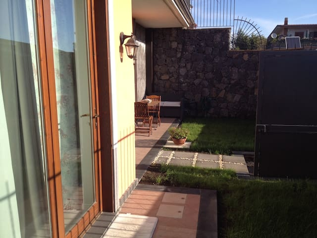 ETNA HOME HOLIDAY CASA REYNA - Trecastagni - Apartament