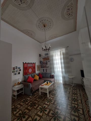غرفة مشرقة مريحة في قلب مدينة باري