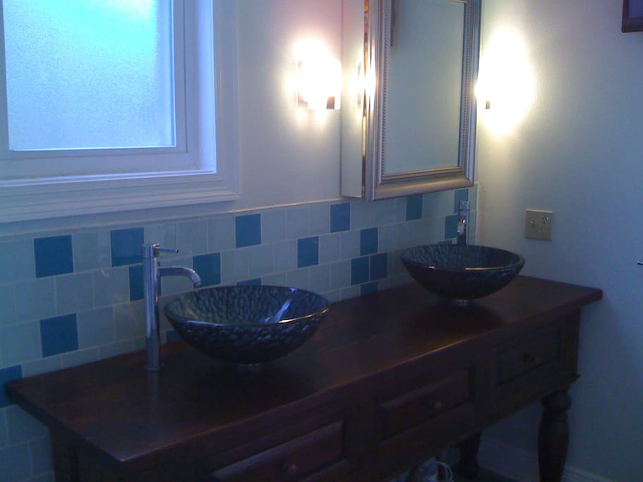 Private room & bath/deck