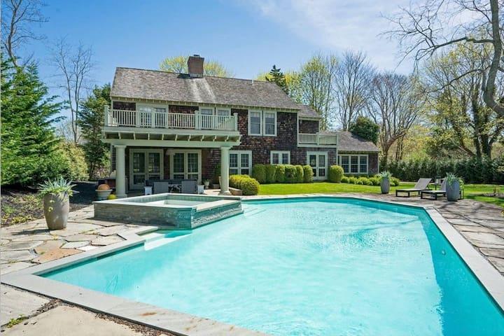 Modern Southampton Village Farmhouse-Pool/Tennis