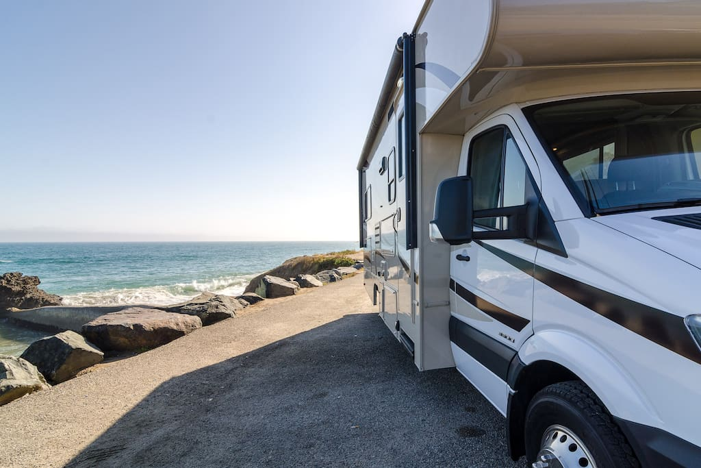 Luxury mercedes rv rental campers rvs for rent in malibu for Mercedes benz rv rentals