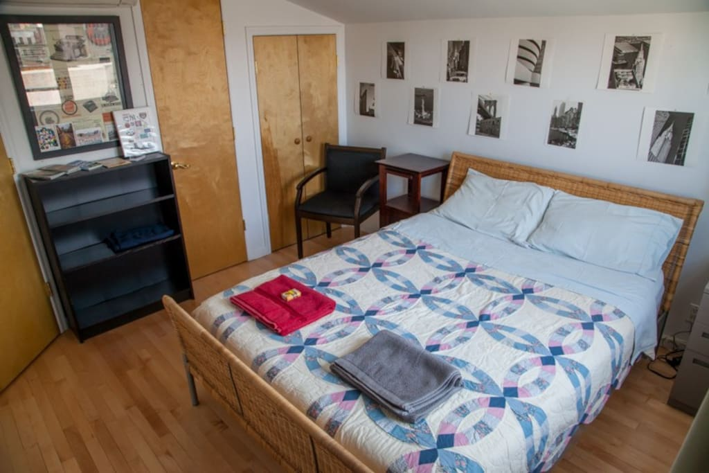 Bright and Cosy Room, Comfortable Queen Bed