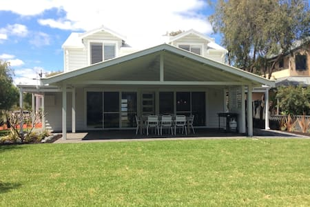 Busselton Beach House - Broadwater