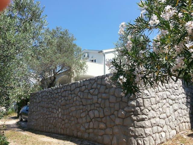 Charming detached villa in Lustica - Herceg Novi - Huis