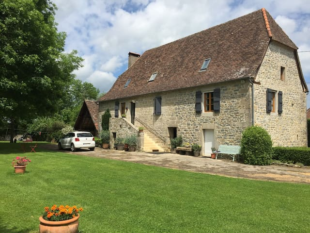 Maison Lotoise typique - Padirac - Hus