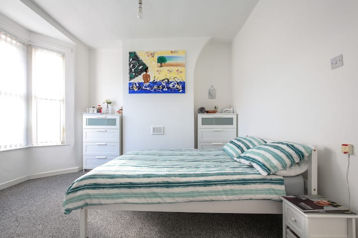 Beautiful Bright Double Bedroom in Liverpool.
