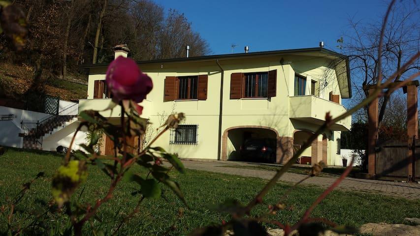 VillaStrepitosa relax e amici red - Teolo - ที่พักพร้อมอาหารเช้า