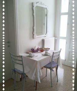 Camera doppia/matrimoniale. - Cornuda - Ev