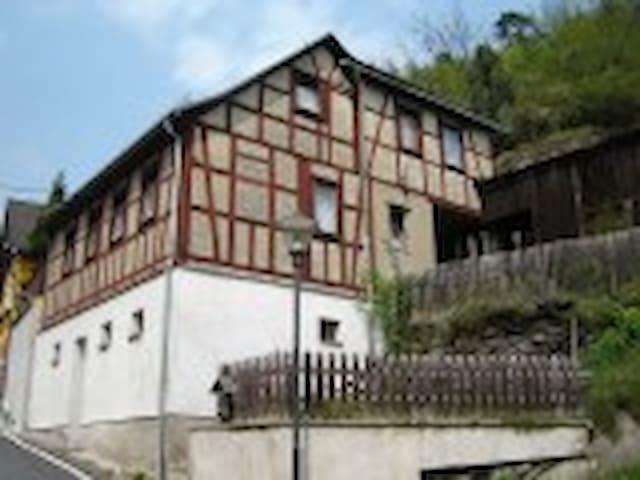 bijzondere rustgevende bergwoning - Probstzella - Talo