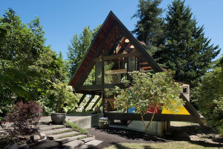Architectural Retreat near UW & Children's Hosp - Seattle - Talo