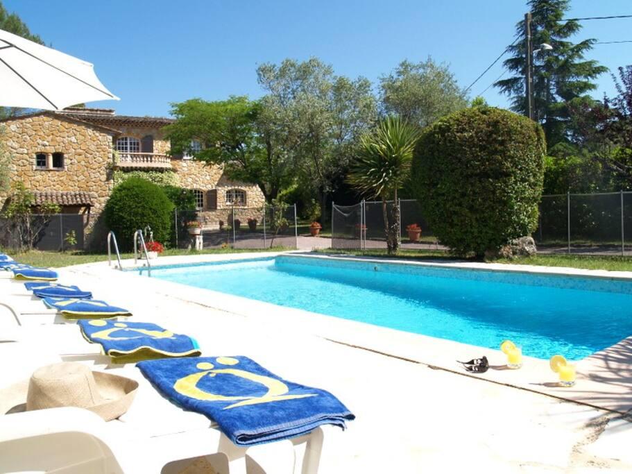Maison avec piscine maisons louer peymeinade - Location cote d azur avec piscine ...